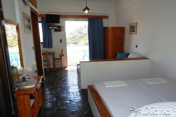 rent-room-three-agia-pelagia-heraklionD1330CEC-9F1D-6FD7-EA1A-4E7B8A9C586E.jpg