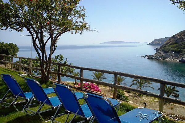 sea-view-sunbeds-diana-apartments6AE61821-6264-4DD8-8F40-03866EABE399.jpg